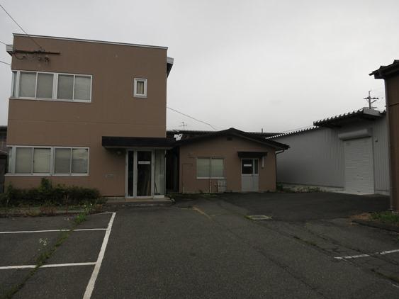 [事務所 倉庫] 2階建て事務所+倉庫2棟物件 諏訪市豊田 20220詳細ページへ
